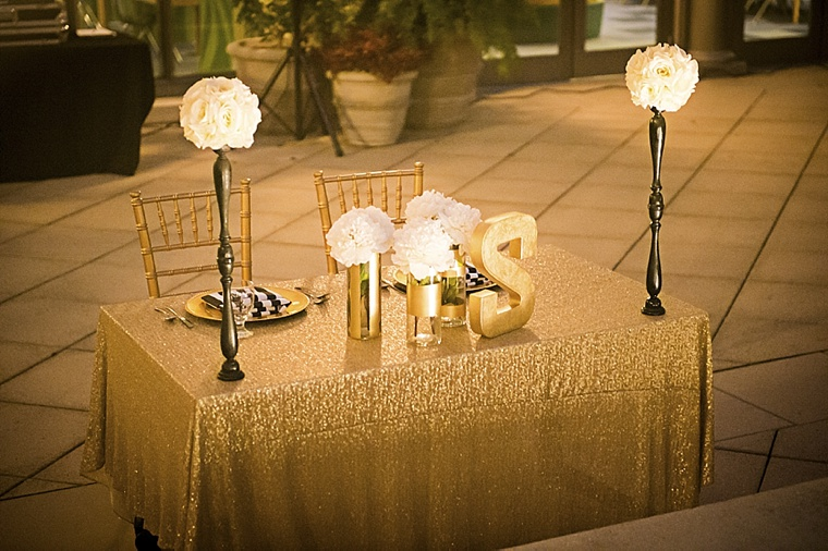 Modern Elegant White, Black and Gold Wedding  via TheELD.com