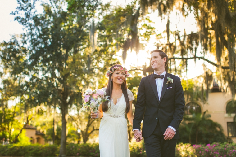 A Modern Ethereal Glitter & Blush Wedding via TheELD.com