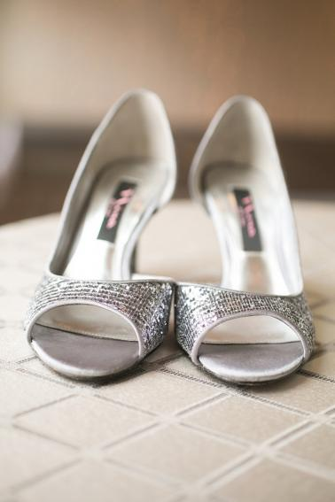Chic Pink and Gray Wedding via TheELD.com