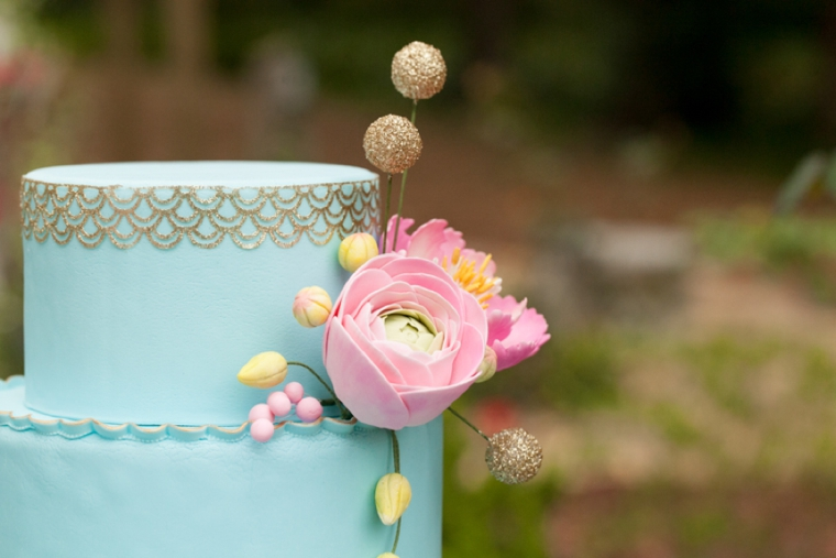 8 Unique Wedding Cake Ideas via TheELD.com