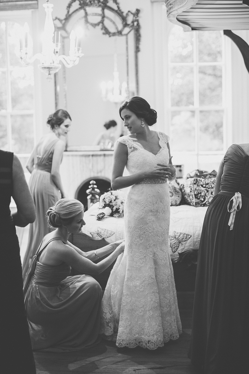 A Vintage Peach and Blush Memphis Wedding via TheELD.com