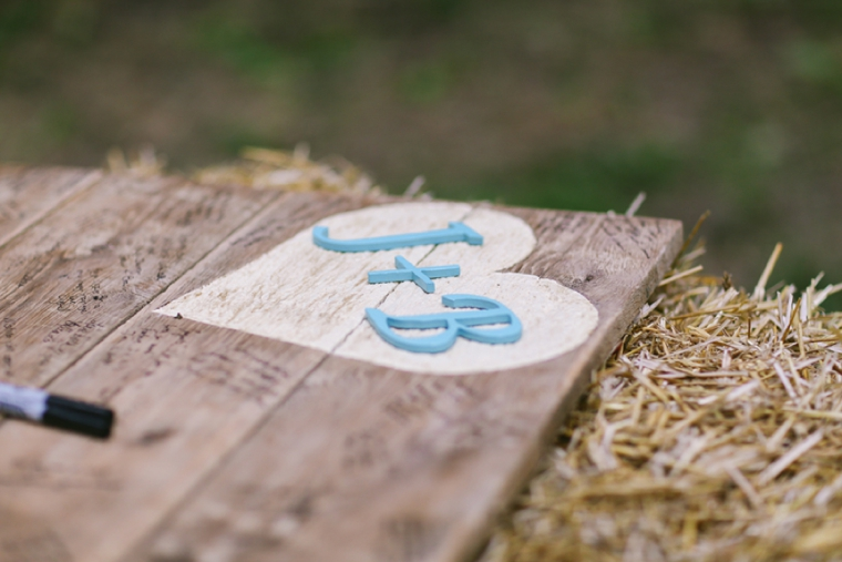 Rustic Elegant Tennessee Farm Wedding via TheELD.com