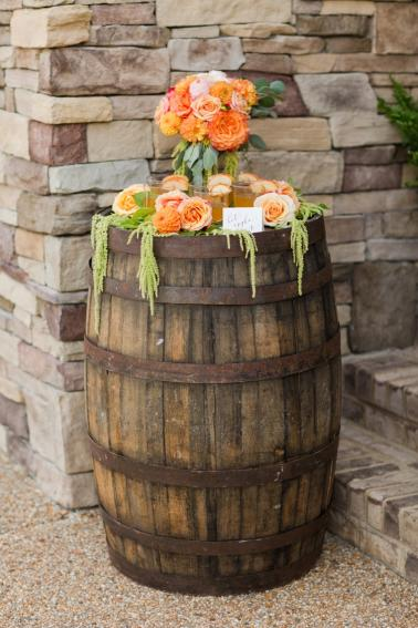 Chic Fall Wedding Inspiration via TheELD.com