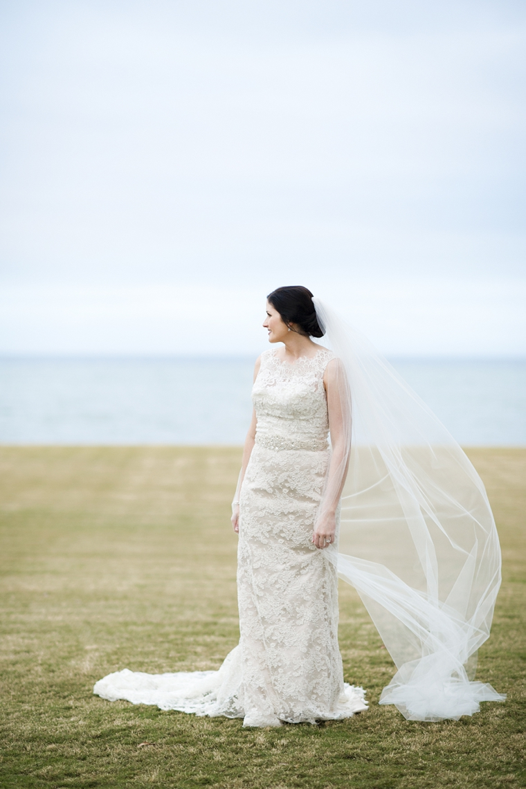 An Elegant Navy and White Wedding via TheELD.com