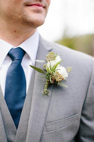 A Rustic Green and White Wedding via TheELD.com