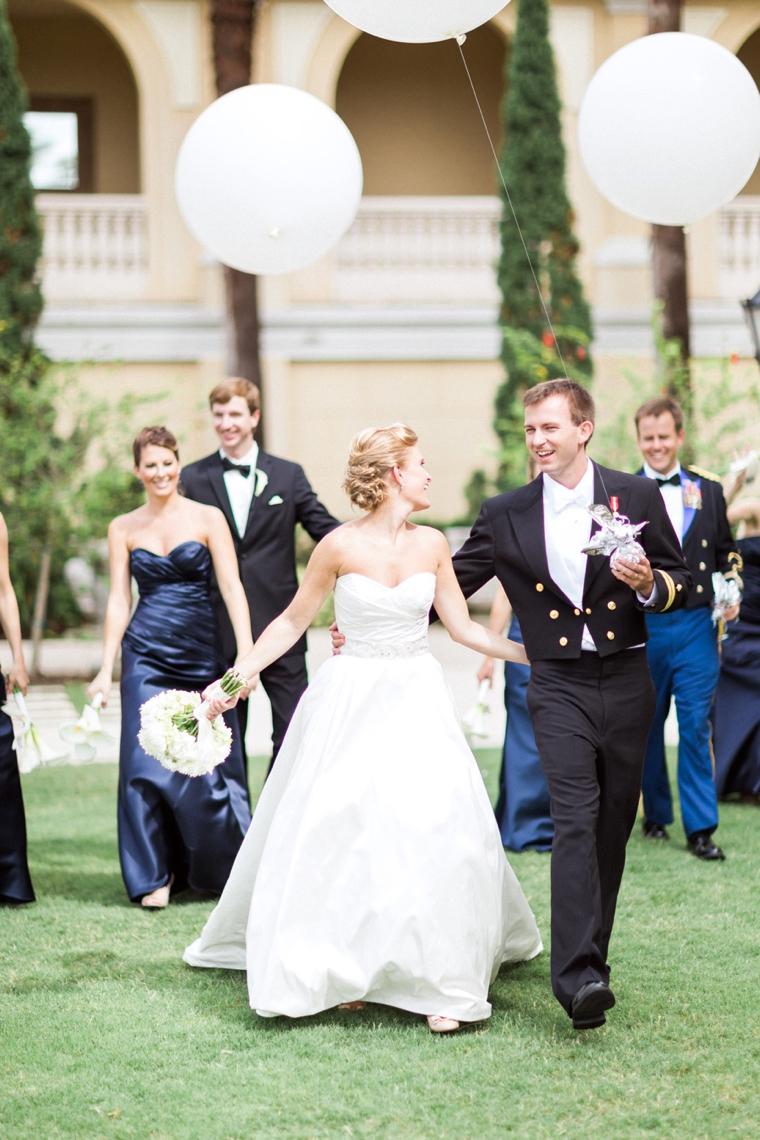 A Sophisticated Navy and White Wedding via TheELD.com