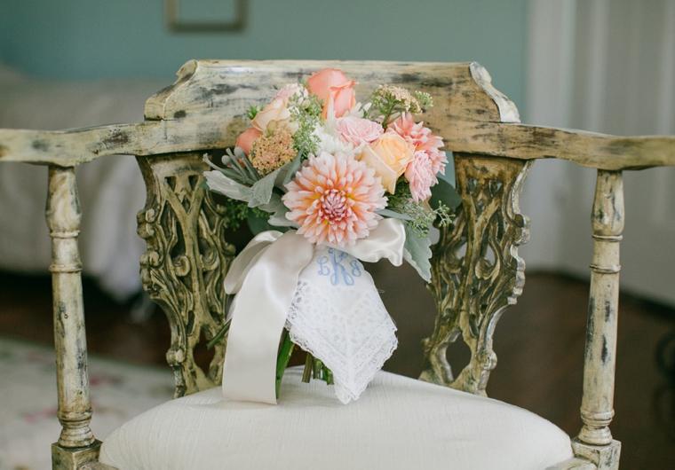 A Rustic Elegant Navy and Peach Wedding via TheELD.com