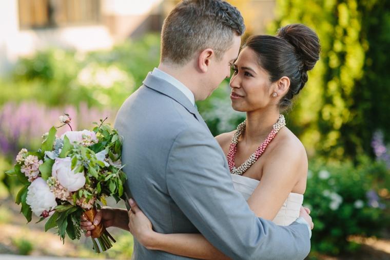 A Romantic Chicago Loft Wedding via TheELD.com