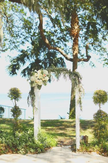 A Vintage Nature Inspired Spring Wedding via TheELD.com