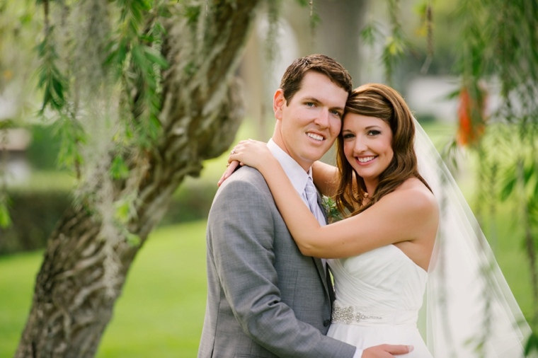 An Elegant Pink and Gray Wedding via TheELD.com
