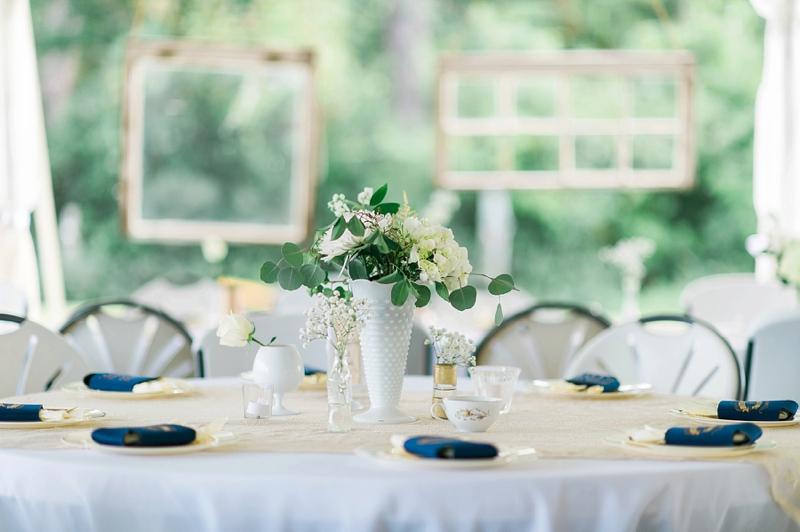A Navy and Gold North Carolina Wedding via TheELD.com