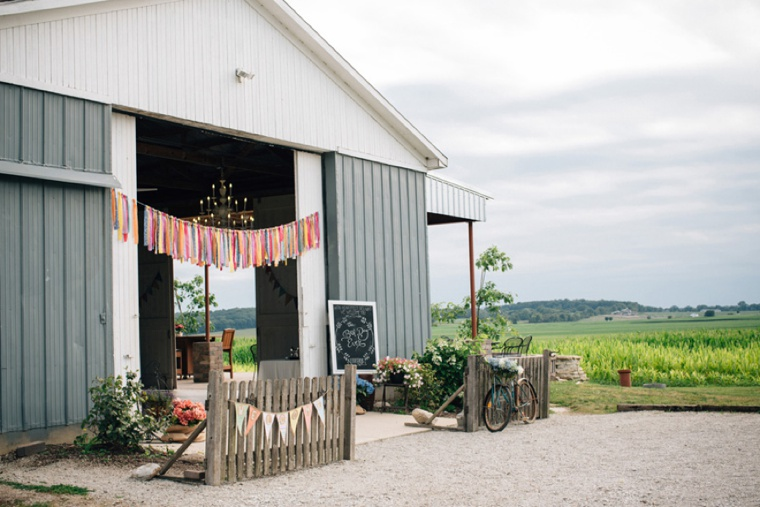 Colorful & Rustic Illinois Barn Wedding via TheELD.com