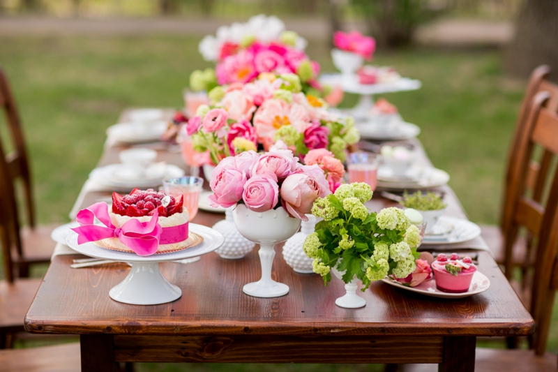 hot pink garden bridal shower ideas via theeldcom