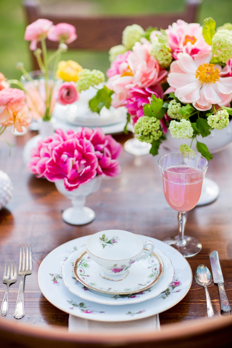 Outdoor Bridal Shower Ideas Part - 41: ... Hot Pink Garden Bridal Shower Ideas Via TheELD.com