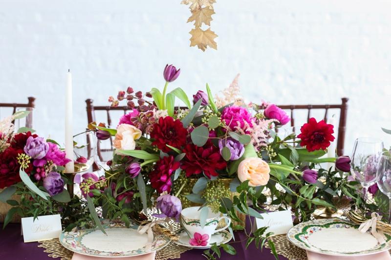 Bold & Romantic Chicago Loft Wedding Ideas via TheELD.com