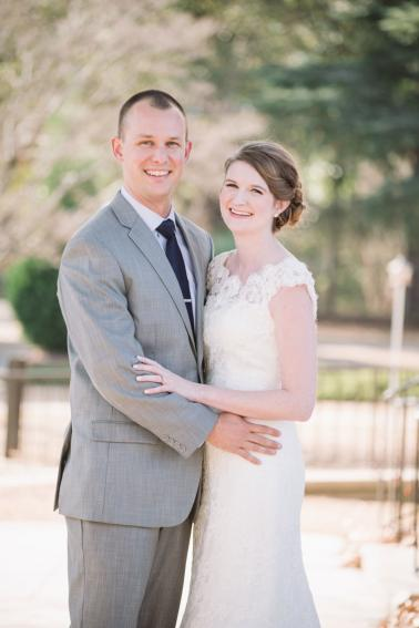 An Elegant Navy & Blush South Carolina Wedding via TheELD.com