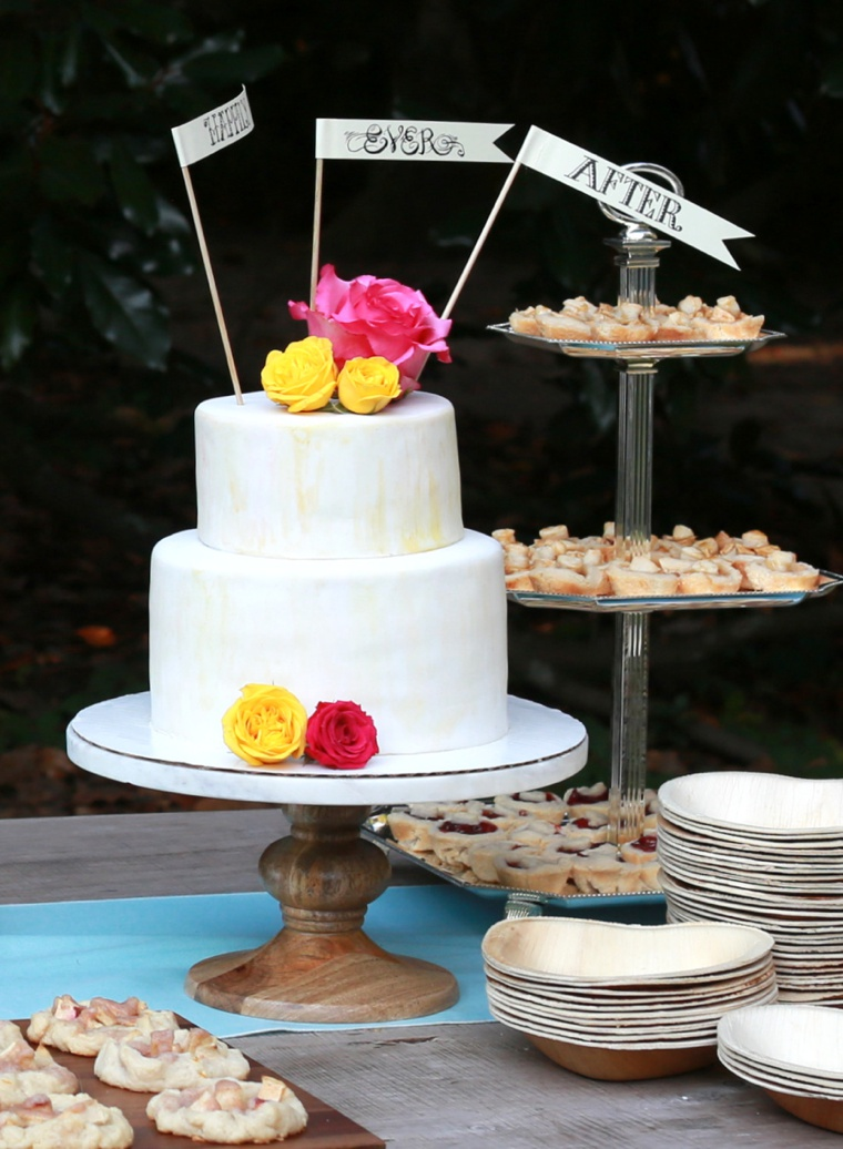 A Colorful Eclectic South Carolina Wedding via TheELD.com
