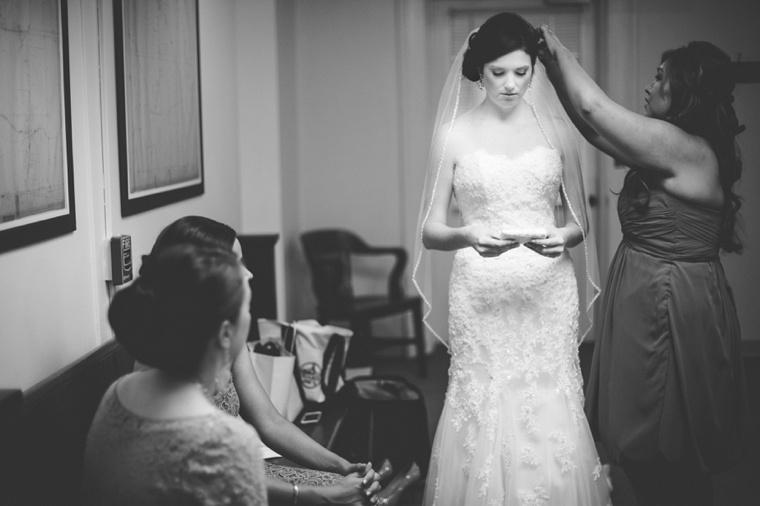 An Elegant & Colorful Wedding via TheELD.com