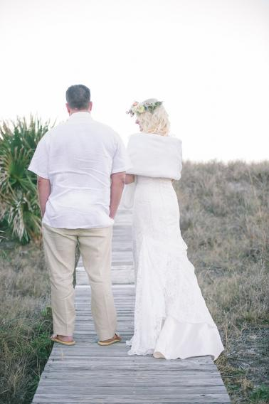 A Romantic Bohemian Amelia Island Elopement via TheELD.com