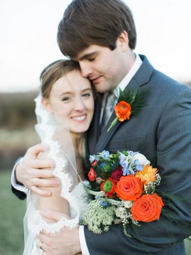 A Red & Orange Virginia Vineyard Wedding via TheELD.com