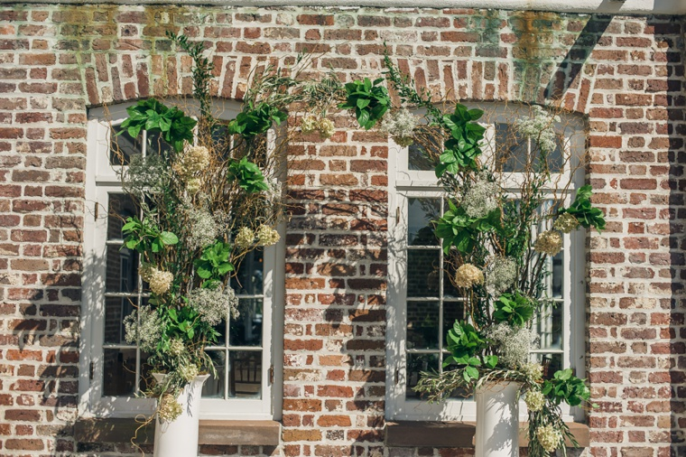 Elegant Green & White Charleston Wedding via TheELD.com