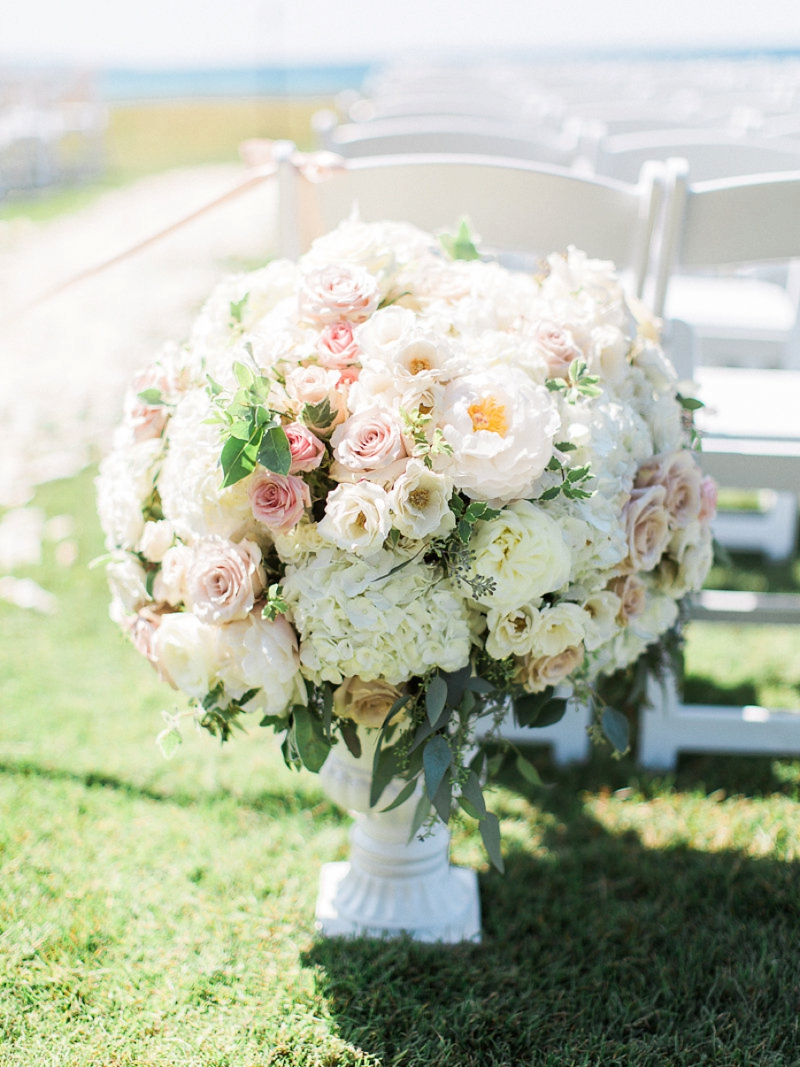 A Blush & Sage Michigan Wedding via TheELD.com