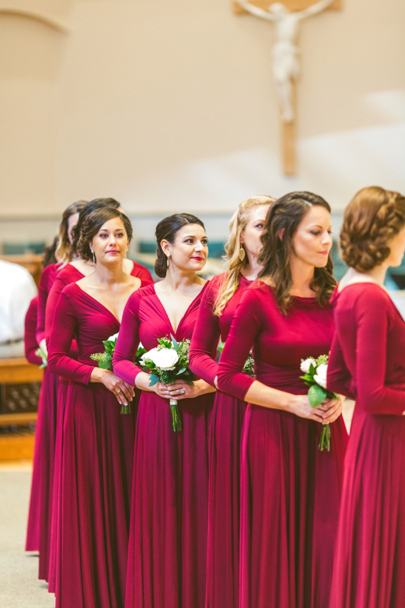A Candlelit Red & Gold Jacksonville Wedding via TheELD.com