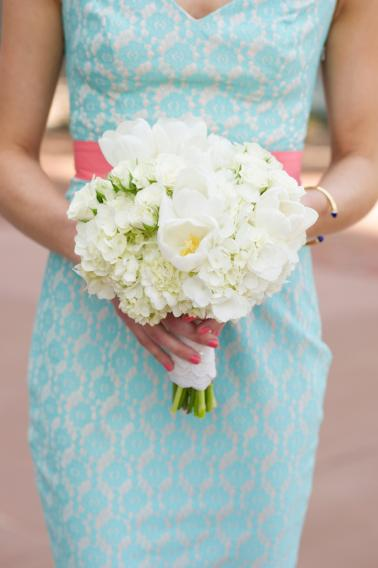 An Intimate Pink and Aqua Wedding via TheELD.com