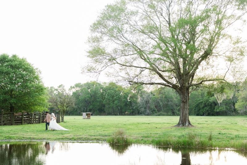A Colorful Country Barn Wedding via TheELD.com