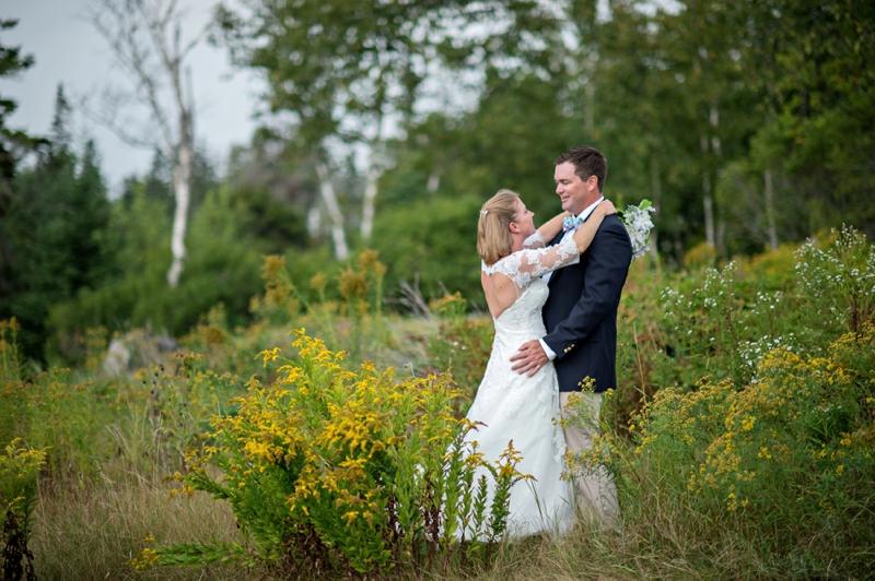 A Pink & Navy Maine Wedding via TheELD.com