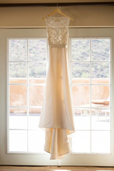 Timeless Blush and Gold Wedding Ideas via TheELD.com