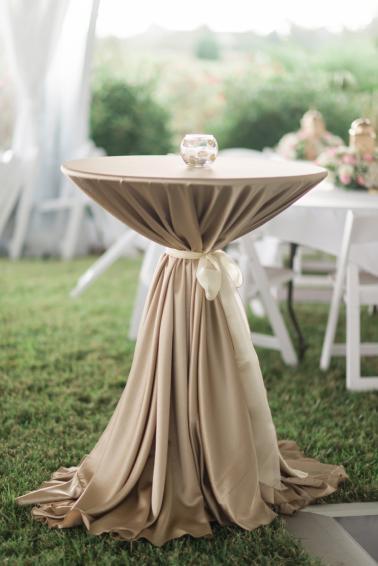 Elegant North Carolina Pink and Gold Wedding via TheELD.com