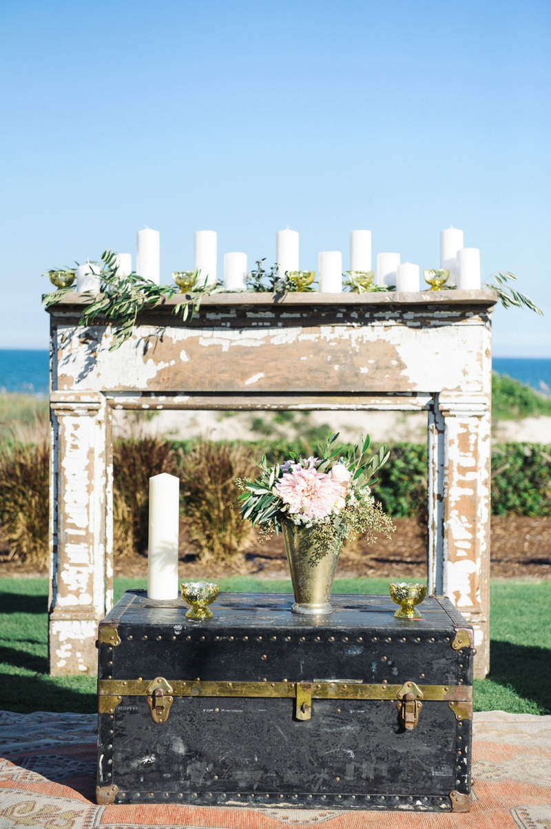 Romantic Blush Amelia Island Wedding via TheELD.com