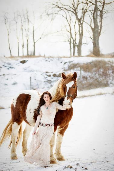 Rustic Elegant Winter Wedding Ideas via TheELD.com