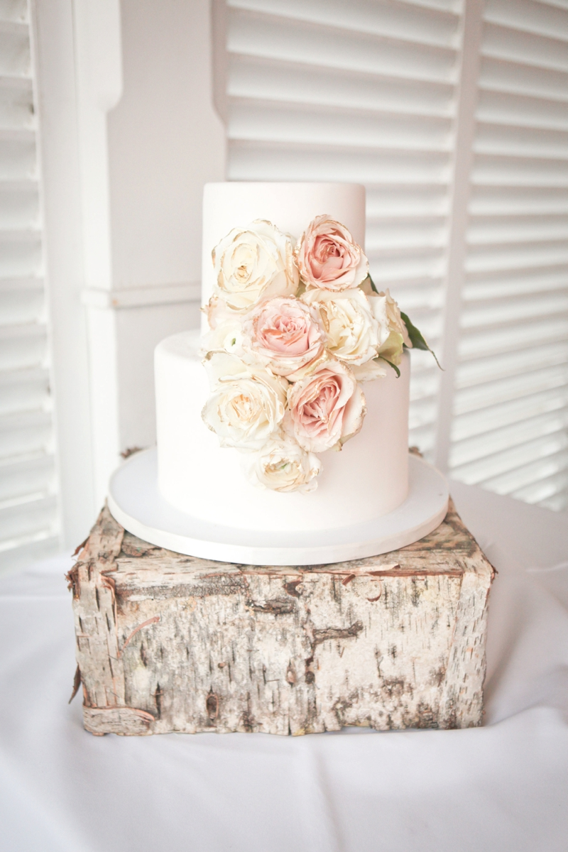 Beach Inspired Florida Destination Wedding via TheELD.com