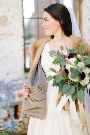 Modern Romantic Georgia Wedding via TheELD.com