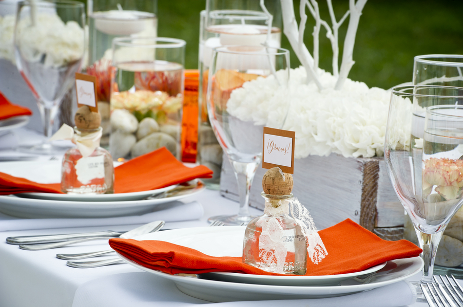 15 Cinco de Mayo Inspired Wedding Ideas via TheELD.com