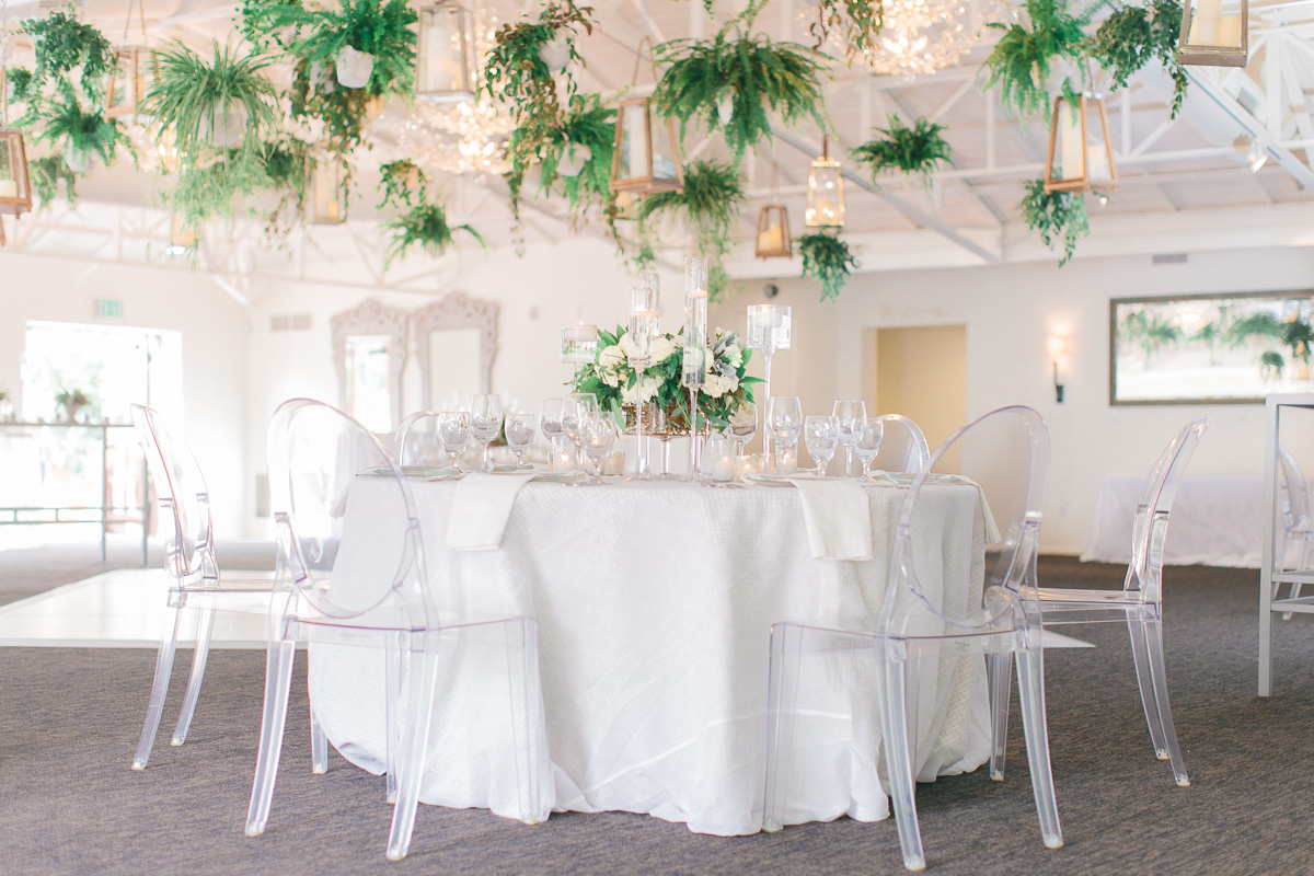 Modern romantic green white wedding ideas every last detail modern romantic green white wedding ideas via theeld junglespirit