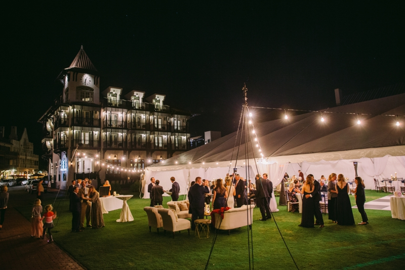 Elegant Navy & Gold Rosemary Beach Wedding via TheELD.com