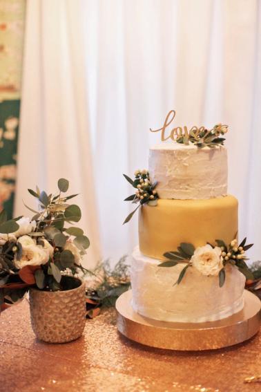 Elegant Green and Gold Georgia Wedding via TheELD.com