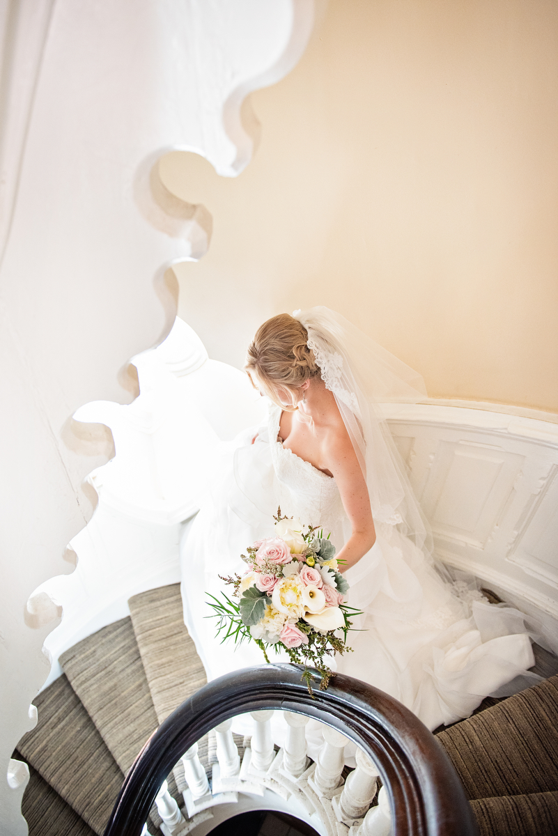Elegant Blush & Green New York Wedding via TheELD.com
