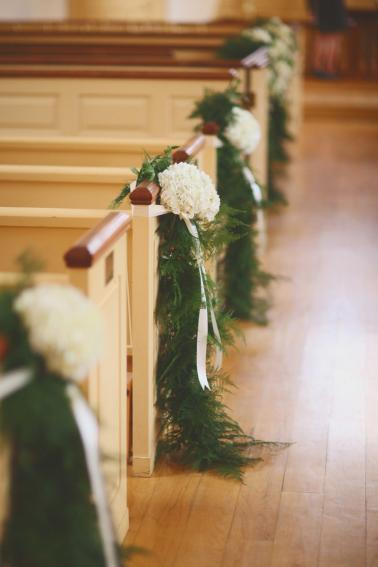 Classic Green & White Alabama Wedding via TheELD.com