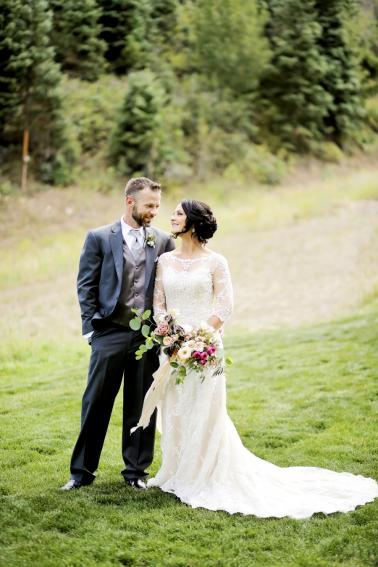 An Intimate & Romantic Utah Wedding via TheELD.com