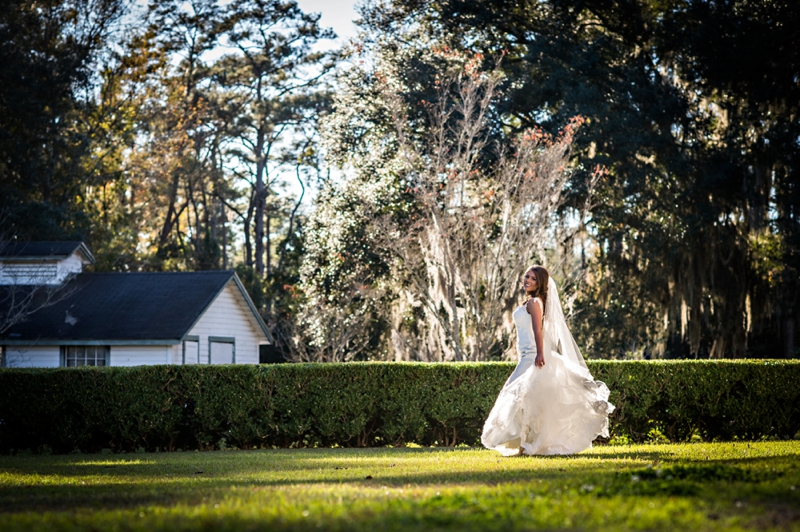 A Southern Elegant Green & White Wedding In Georgia via TheELD.com