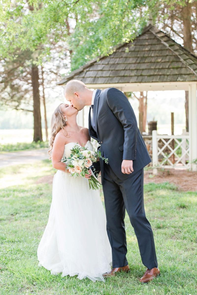 An Elegant Blush & White North Carolina Wedding via TheELD.com