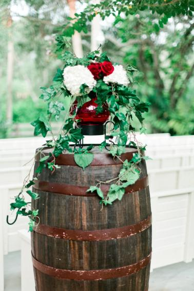 Glamorous Black & Red Autumn Inspired Wedding Ideas via TheELD.com