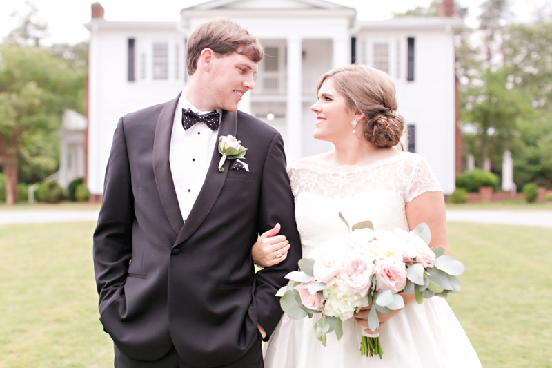 Elegant Pink & White South Carolina Wedding via TheELD.com