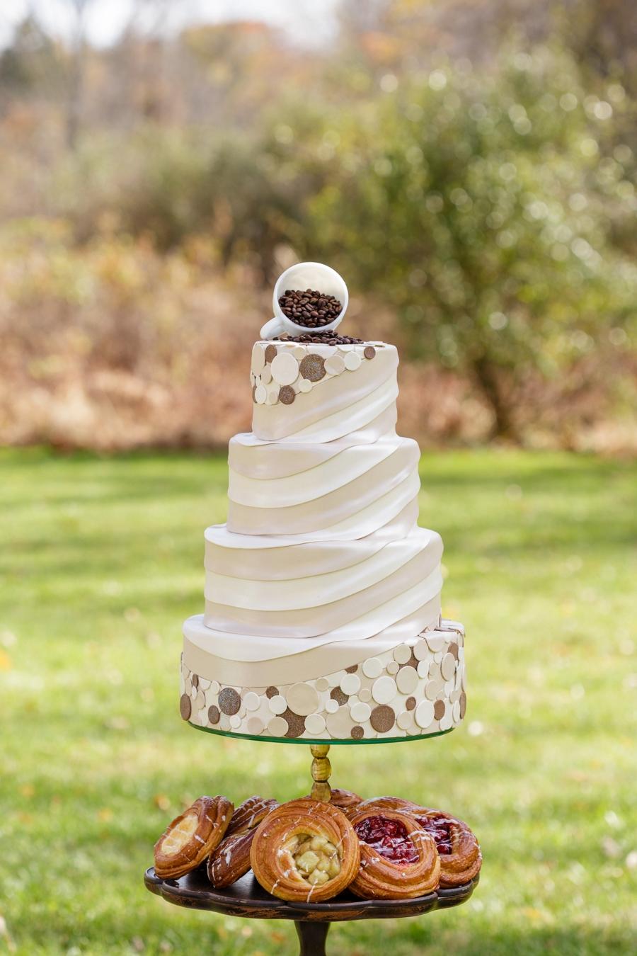 A Gilmore Girls Wedding via TheELD.com