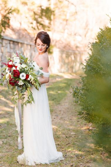 Red & White French Inspired Wedding Ideas via TheELD.com