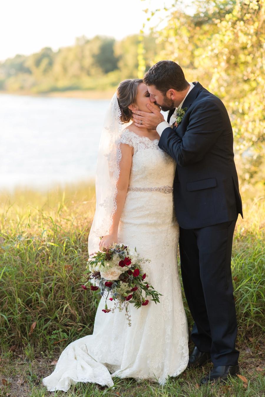 A Navy & Red Rustic Central Florida Wedding via TheELD.com